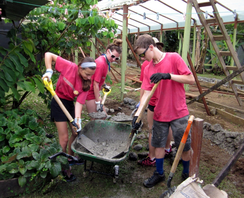 Volunteers Building a Greenhouse in Costa Rica